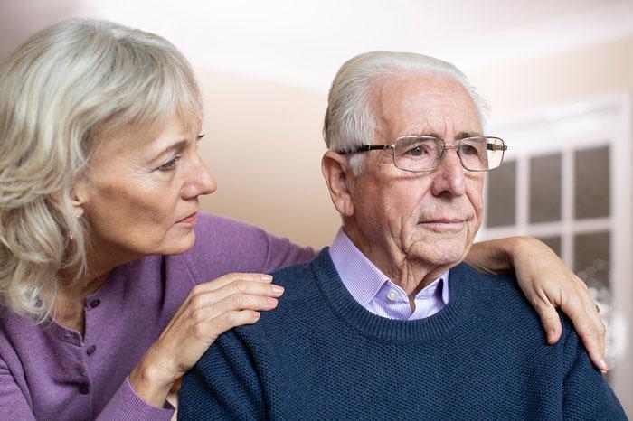 اهمیت تشخیص الزایمر و مراجعه به بهترین دکتر الزایمر