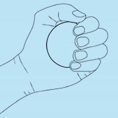 تمرین گرفتن و فشار دادن انگشتان